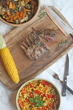 Grillet lammekrone med 2 slags grøntsager til