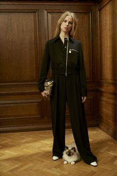 Stella McCartney Pre-Fall 2016 Fashion Show  http://www.vogue.com/fashion-shows/pre-fall-2016/stella-mccartney/slideshow/collection#14