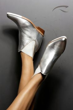 Silver_Boots_Bootie_Metallic_Shoes_Christmas_Xmas_New Years_party