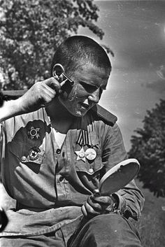 WW2 Russian Soldier Shaving