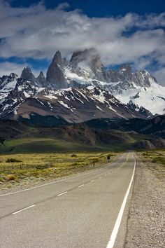 On the road to the Fitz Roy, Los Glaciares National Park, Argentina