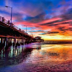 Santa Monica beach pier, i want to go here! Moving To California, California Dreamin', Places To Travel, Places To Visit, Santa Monica California, Vacation Spots, The Good Place, Beautiful Places, Night Scenery