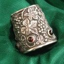 Silver thimble with Grapes almandine, 925/1000, 11 g
