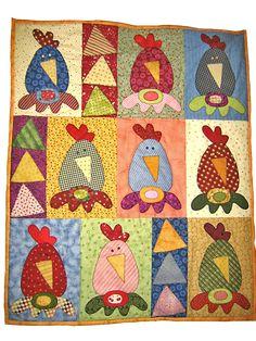 Chicken quilt More Applique Patterns, Applique Quilts, Quilt Patterns, Quilt Baby, Quilting Projects, Sewing Projects, Vogel Quilt, Chicken Quilt, Chicken Pattern