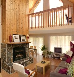 Executive Three Bedroom Chalet Living Room http://www.overlandermountainlodge.com/accommodations/vacation-homes/
