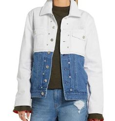 Want to add bulk denim jackets of the latest designs into your store? Then, head straight to the inventory of Oasis Jackets and place your order to the support team right away. Denim Jacket Fashion, Cropped Denim Jacket, Wholesale Denim Jackets, Oasis Jackets, Popular Mens Jeans, Ck Jeans, Trendy Collection, Padded Jacket, Calvin Klein Jeans