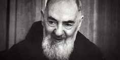 """When someone asks you to pray for them, why not pray with """"Padre Pio Power""""? When I heard that the prayer below (written by St. Margaret Mary Alacoque) was the one Padre Pio would use when people a… Catholic Prayers, Catholic Saints, Catholic News, Patron Saints, St Pio Of Pietrelcina, Ste Anne, Praying For Someone, Simple Prayers, Religion"""