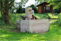 Wir haben es geschafft und freuen uns - denn hier ist es: Das Making Off des Sandstein-Brunnens Marke Eigenbau, den wir im Sommer im Garten ...