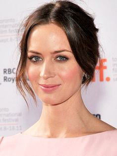 Emily Blunt hairstyle