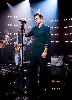 "harrystylesdaily: ""Harry performing on the Late Late Show. """