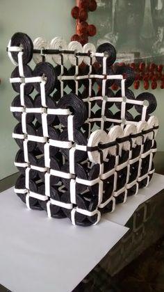Creaciones HEIMAR: Revisteros hechos con papel periódico reciclado