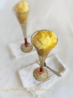 Home made lemon ice cream. Lemon Ice Cream, Foods To Eat, Popsicles, Gelato, Parfait, Sorbet, Mousse, Cooking Recipes, Favorite Recipes
