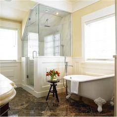 Traditional (Victorian, Colonial) Bathroom by Ines Hanl