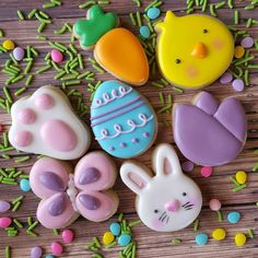 """383 Likes, 11 Comments - Sarah Robertson (@sugarcrushcookiessarah) on Instagram: """"How CUTE are these Easter minis?! All from @thesweetdesignsshoppe of course. It's one of the sets…"""""""