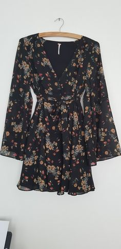 4a7c779a0411c Free People floral dress with flowy sleeves and side zip Love Clothing,  Your Style,
