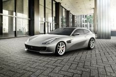 GTC4 Lusso T is the name of the 4-seater version from this Ferrari. The T-model is coming basically like the other GTC4 Lussos with a V8 turbo and a dynamic driving system. This gonna be the best idea to bring a V8 car in the daily life!