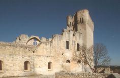 """""""L'Ile de Montmajour"""" di Christian Lacroix all'abbazia di Montmajour a Arles (Provenza-Alpi-Costa Azzurra)"""