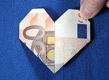 Geld Herz falten