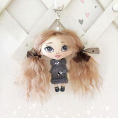 Кукла-брелок. Рост 12см. Волосики натуральные (козочка). Одежда не снимается.  Цена 1800 + почта.  По вопросам  в директ или в комментариях.  #куклабрелок #ручнаяработа #handmade #doll #куклаизткани #куклатекстильная #интерьернаякукла #брелок