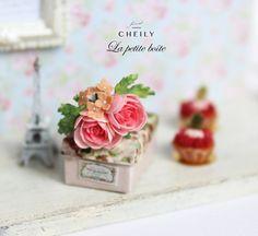 12th scale Dollhouse Miniature Flowers La by CheilysMiniature