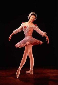 Margot Fonteyn, great talent. - Ballet beautie, sur les pointes !