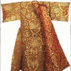 ottoman kaftan, definatly the sort of fabric i'd like to use as well...