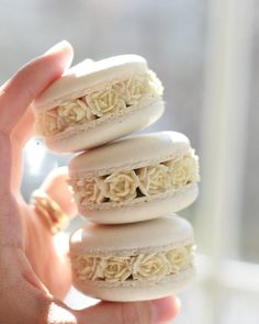 Macarons Image may contain: food The fashion world, however, rarely cares for the name of a universi Macarons, Macaron Cookies, Small Desserts, Cute Desserts, Delicious Desserts, Yummy Food, Sweet Recipes, Snack Recipes, Dessert Recipes