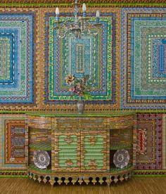 Les installations et tapis en billets de loterie usagés par Ghost of Dream