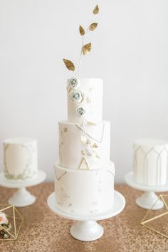 Art-deco cake: http://www.stylemepretty.com/canada-weddings/ontario/toronto/2015/08/14/modern-industrial-inspiration-shoot/ | Photography: Simply Lace - http://www.simplylacephotography.ca/