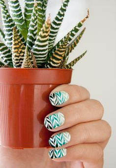 Leaf Spring Nails. Who can do this?? I want it!