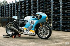 Phantom Blaze: The supercharged Triumph Thruxton R leading the Sultans of Sprint Flat Track Motorcycle, Motorcycle Travel, Motorcycle Style, Racing Bike, Bike Rides, Cool Motorcycles, Triumph Motorcycles, Homemade Motorcycle, Sv 650