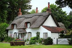Dating from 1697 this is the last thatched cottage in Appleby, N Lincs, England & Canon Style Cottage, Cute Cottage, Cottage Homes, Storybook Homes, Storybook Cottage, Fairytale Cottage, Garden Cottage, Romantic Cottage, Romantic Homes