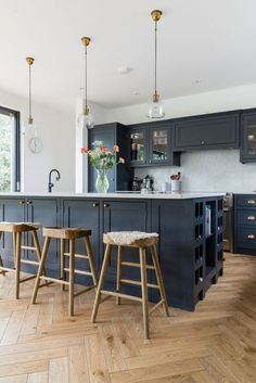 New Kitchen Cabinets, Painting Kitchen Cabinets, Kitchen Flooring, White Cabinets, Parquet Flooring, Kitchen Wood, Kitchen Layout, Kitchen Extension Flooring, Wooden Flooring