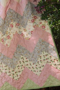 Chevron baby quilt by http://quiltingstories.blogspot.com/2014/06/chevron-baby-girl-quilt-finished-beatrix-potter-book-.html                                                                                                                                                                                 More