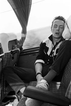 joe strummer the clash clash london uk england 1977 punk