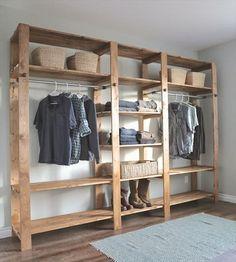 Organizador sencilla en tablas de acacia. Nosotros hacemos todos los diseños y a su medida en la Republica Dominicana. Mas informaciones: www.maderasdominicana.com