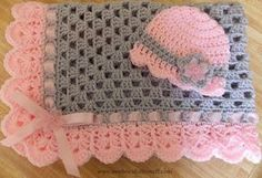 Hand-crochet granny square crochet baby blanket baby hat pink and gray girl… Point Granny Au Crochet, Baby Afghan Crochet, Baby Afghans, Crochet Baby Hats, Love Crochet, Hand Crochet, Crochet Stitches, Baby Knitting, Knit Crochet
