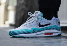 "Nike Air Max Lunar1 Breeze ""Pure Platinum / Light Retro"""