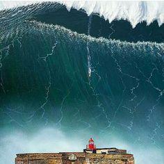 #Lighthouse - Nazaré, #Portugal - Biggest waves #Surf…