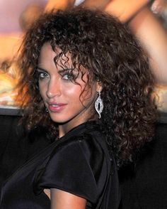 natural curly hairstyles medium length   medium curly hairstyle 2010 asian medium length blunt bob hairstyle ...