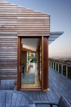 Hillside Residence by Turnbull Griffin Haesloop Architects, deck