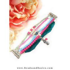 Zelf  de ibiza armband met magneetsluiting maken? -->   Bekijk hier de handige video tutorial!      Beads & Basics sieraden maken - minimalistische boho ibiza vrolijke kleuren - roze blauw ananas bedel - sieraden