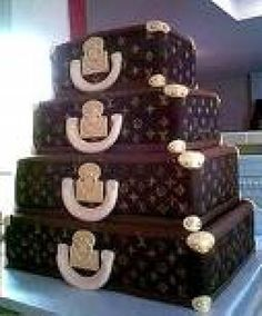 YES, ITS A CAKE! Louis Vuitton Cake~ chocolate cake chocolate ganache, rolled fondant and gum paste handles. Gorgeous Cakes, Pretty Cakes, Cute Cakes, Amazing Cakes, Luggage Cake, Suitcase Cake, Lv Luggage, Crazy Cakes, Fancy Cakes