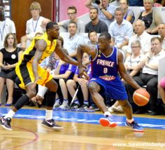 #ScoooreLeague: Wen Mukubu (Spirou Charleroi) de retour en France