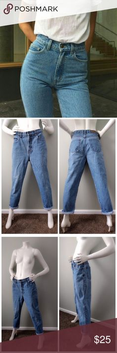 "Vintage Bill Blass Easy Fit High Rose Mom Jean A classic pair of ""easy fit"" jeans. 5 pocket styling. Looks great cuffed. Brand is similar in style/quality to Levis, Wranglers etc. Waist: 27"" inseam: 29""  rise: 11"" Bill Blass Jeans Boyfriend"