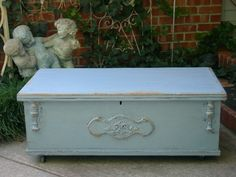 VINTAGE OLD CEDAR HOPE CHEST TRUNK COFFEE TABLE~CHIC FRENCH BLUE