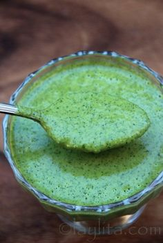 Recipe for Jalapeno Cilantro Salsa - This jalapeño cilantro salsa reminds me of a chimichurri style sauce because of the combination of olive oil, garlic and herbs. Cilantro Salsa, Salsa Picante, Jalapeno Salsa, Cilantro Dressing, Creamy Jalapeno Sauce, Salsa Salad, Cilantro Chutney, Jalapeno Recipes, Chutneys