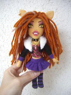 Muñeca fieltro.  Monster High. Clawd Wolf