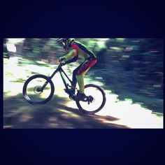 DH Les Makes !  #randoreunionpassion #troyleedesigns #specializedbikes #centpourcent #gopro by isaac_frt