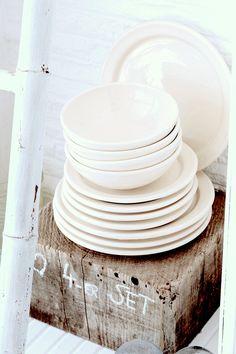 Keramik aus Portugal | Barefoot Living by Til Schweiger #kitchen #interior #dishes
